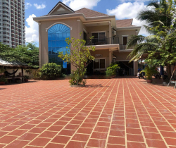 Villa and Building for Sale